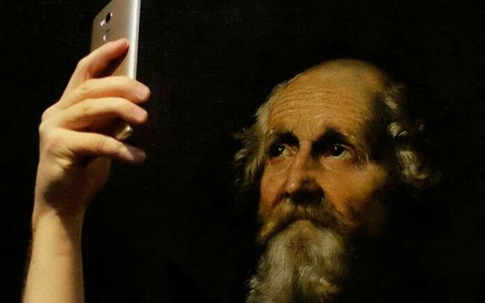 acj-1902-museum-of-selfies (1)