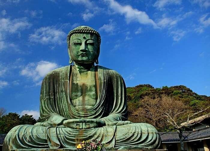 bronze buddha in kamakura