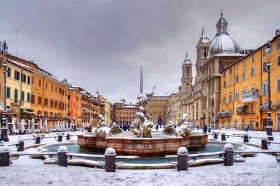 Snowfall in Piazza Navona, Roma