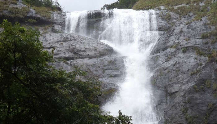 waterfall in Vihigaon