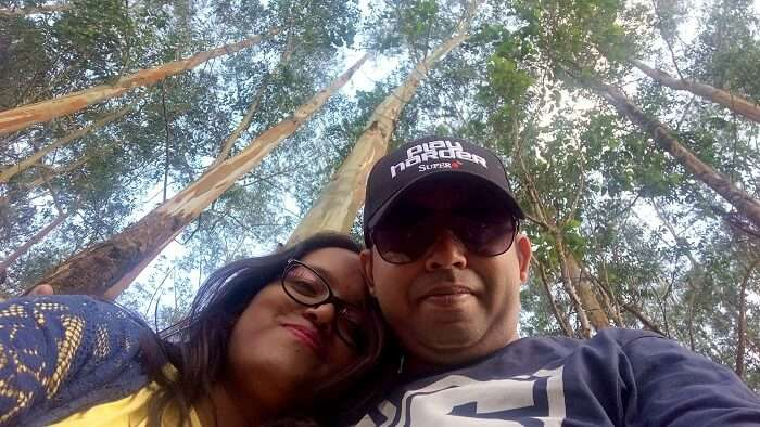 couple chilling in thekkady