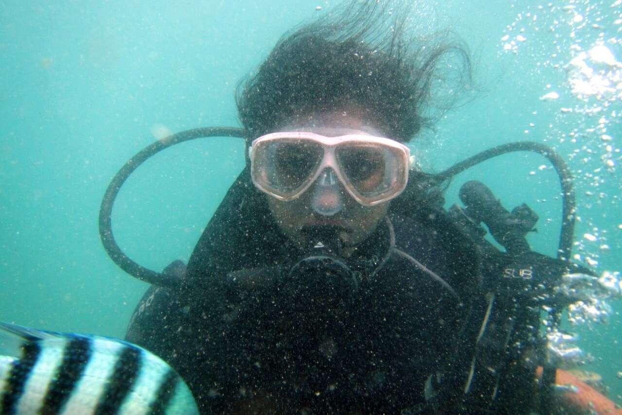 tushar honeymoon trip to Bali: tushar wife scuba dive
