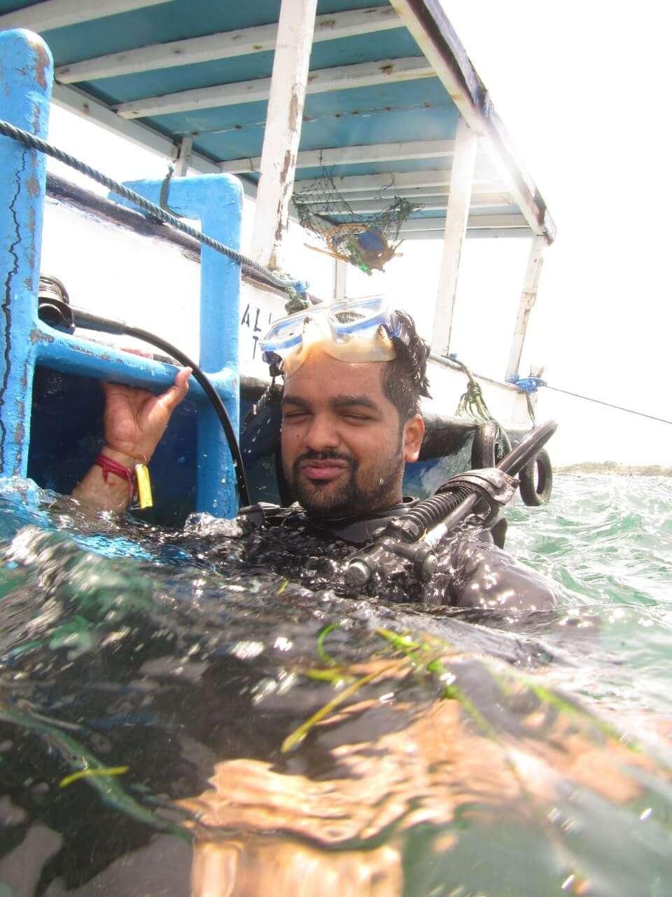 tushar honeymoon trip to Bali: tushar in water