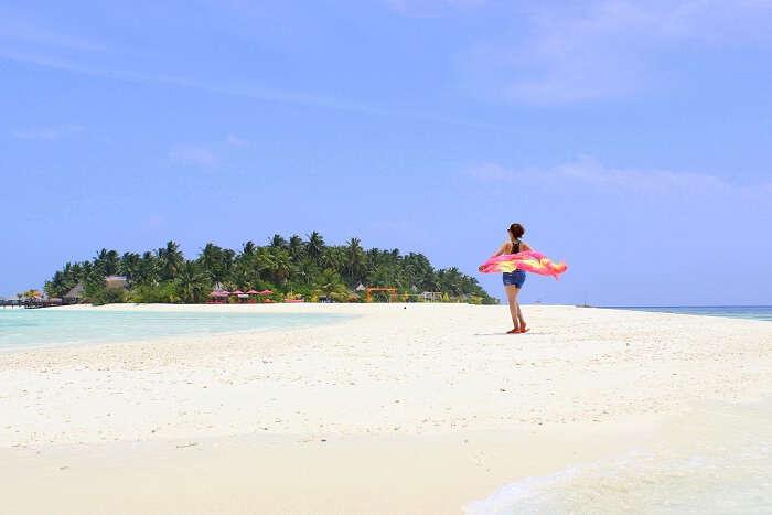 ankit wadhwa maldives honeymoon: relaxing in the beauty of maldives