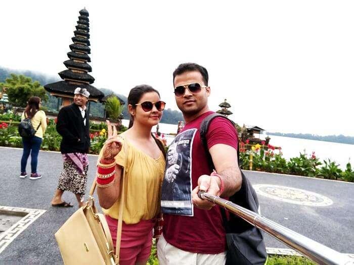 Couple at Tanah Lot Bali