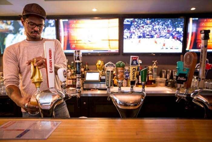 Champions Bar spain nightlife