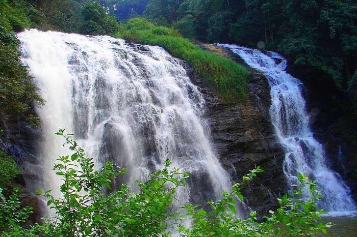 Photograph the Abbey Falls coorg