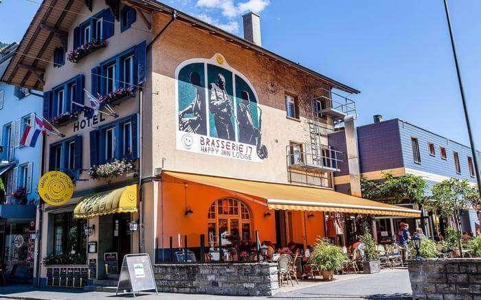 acj-1704-hostels-in-switzerland (1)