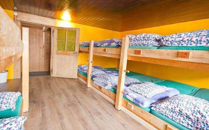 acj-1704-hostels-in-switzerland (4)