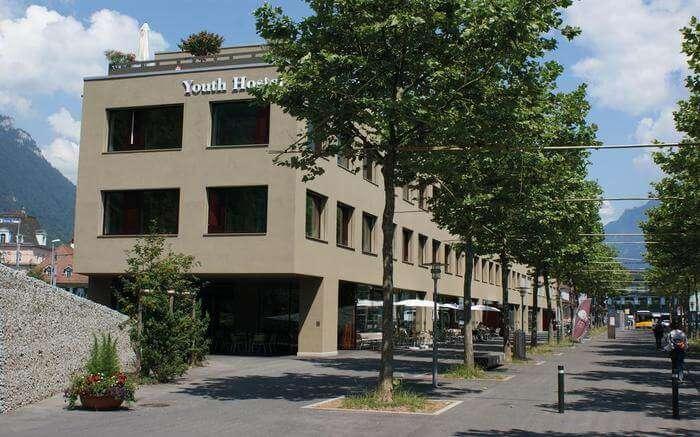 acj-1704-hostels-in-switzerland (6)
