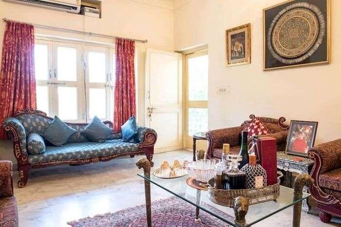 stay at Pink City Homestay jaipur