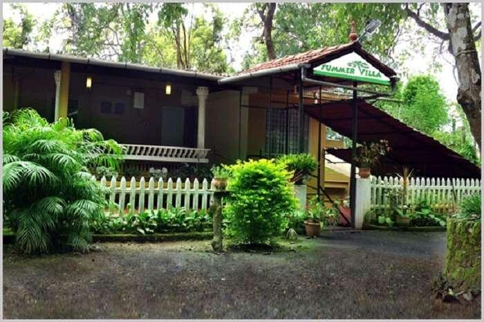 romantic cottage for honeymooners