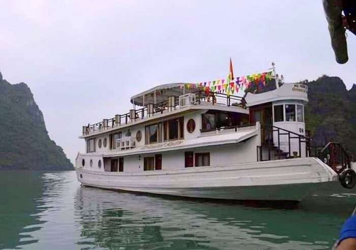 pallavi vietnam family trip: oriental sails cruise