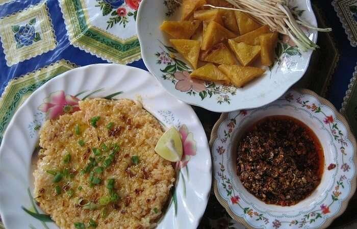 Fancy platter of Nga Htamin