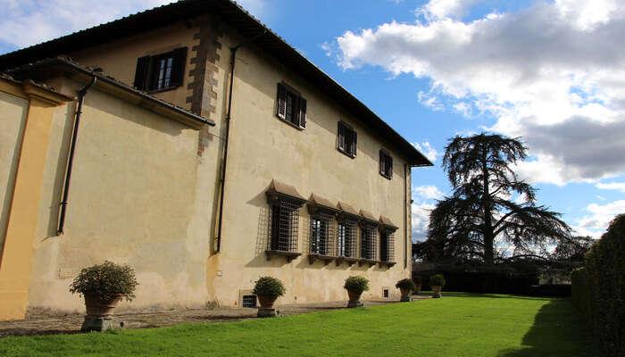 Tour The Winery At Renaissance Villa