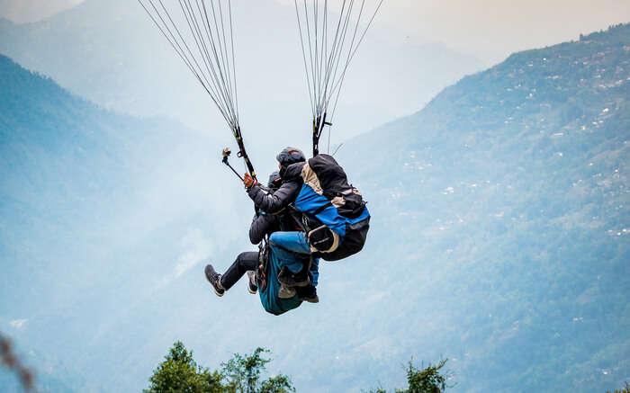 acj-2205-paragliding-in-bhimtal 7