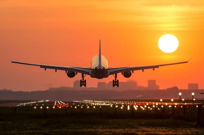 flight take off evening