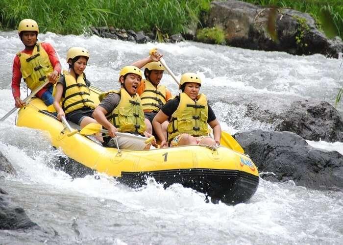 river rafting teesta