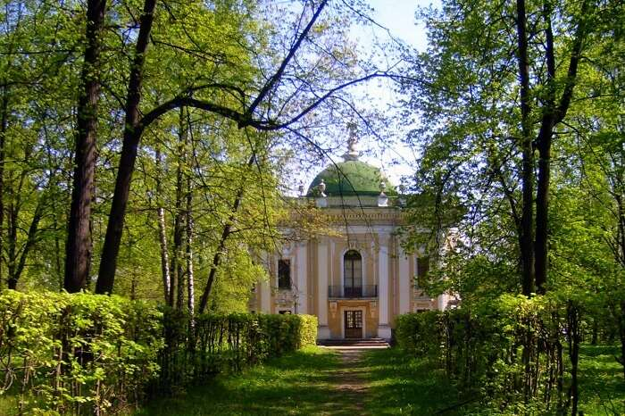 Indulge in the Moscow Hermitage Garden events