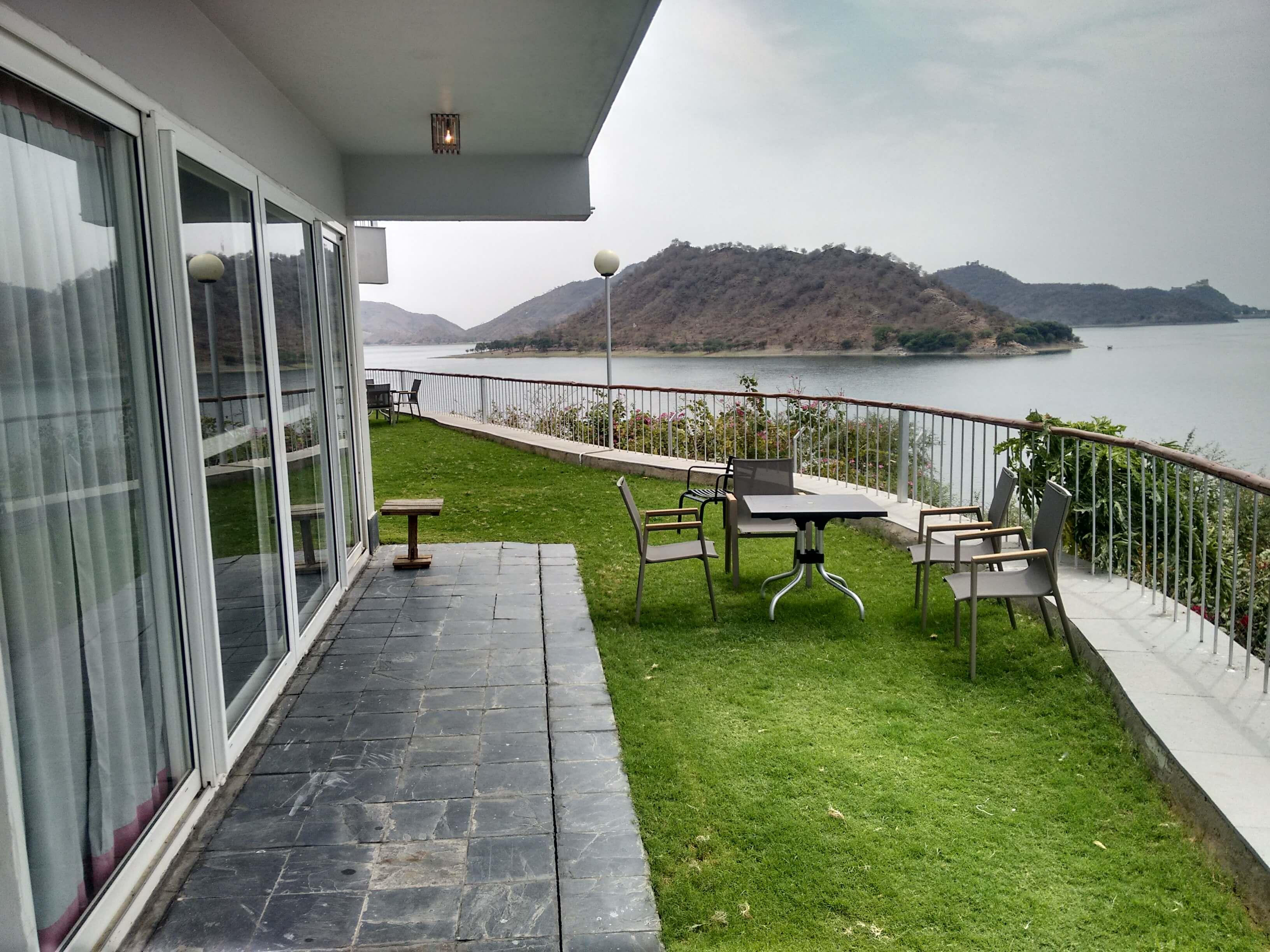 Jaisamand lake resort