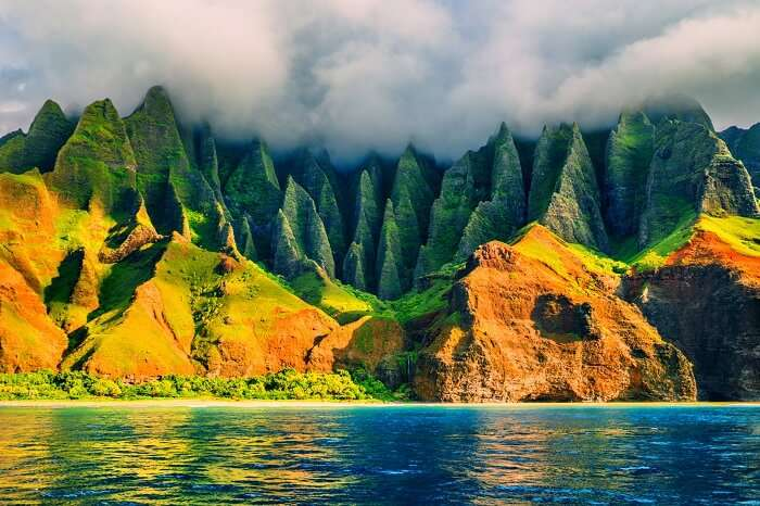 places to visit in hawaii cover image na pali Kauai