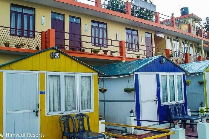 Resorts in Kausani