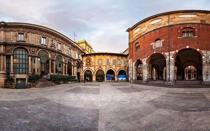 Piazza Dei Mercanti Milan