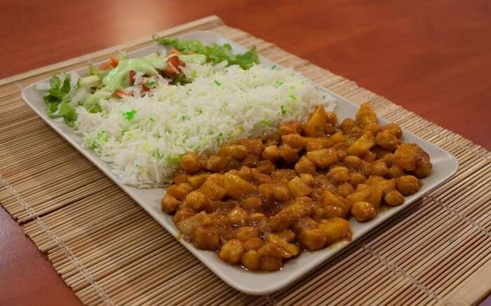 Bollywood Vegetarian Bar - Try their street food delicacies