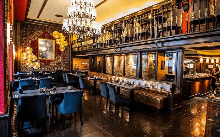 Rajkot Palace- Experience royal Indian flavours