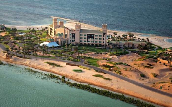 Resorts In Abu Dhabi To Soak In The Extravagance Of The Arab