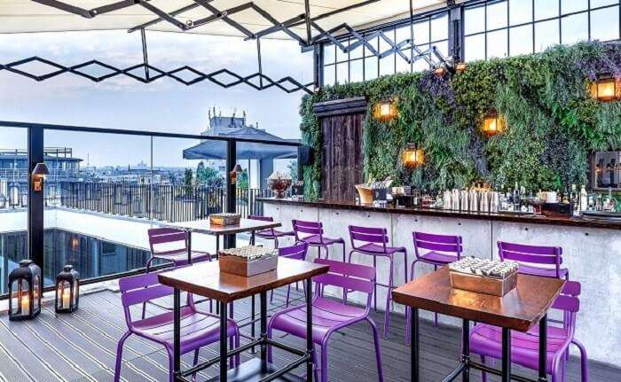 rooftop restaurant in hotel zoo