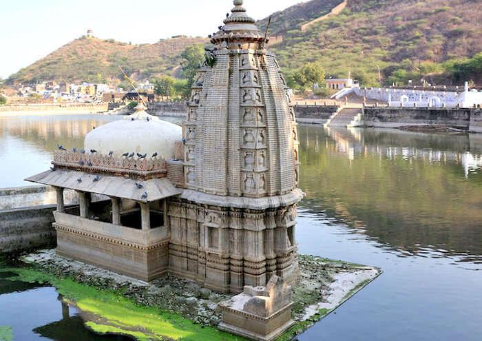 Temple in Nawal Sagar Lake, Bundi
