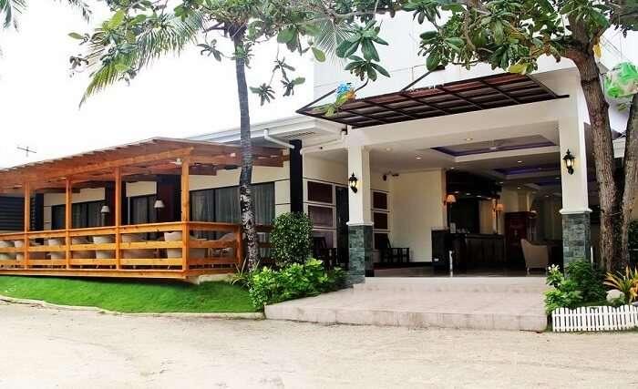 BlueFins Resort Cebu