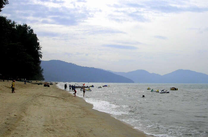 10 Best Penang Beaches Where You Can Chill For Hours