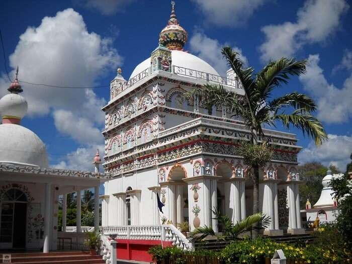 a very famous tamil temple in Mauritius