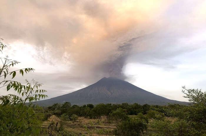 Mount_Agung