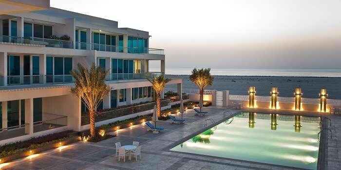 A view of Sunset Mall Dubai