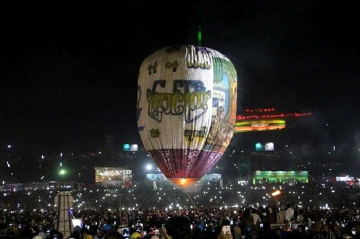 hot air balloon in myanmar at night