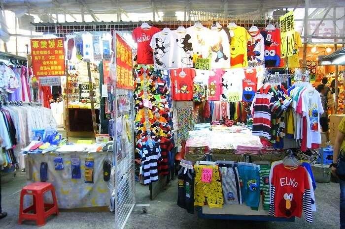 street market in kowloon