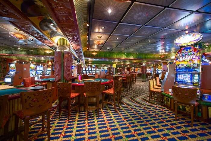 Amazing Holland America Cruise Line Volendam