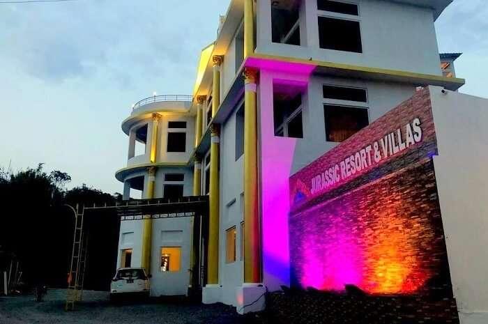 Jurassic Resort And Villa