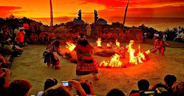 balinese dance with fire at a famous temple