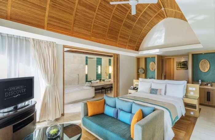 Renaissance Phuket Resort Top Indian wedding planner for Weddings in Hua Hin, Phuket, Rayong, Pattaya. Thinking of a Thailand wedding? Call/WA +919910325805   +919899744727 now!