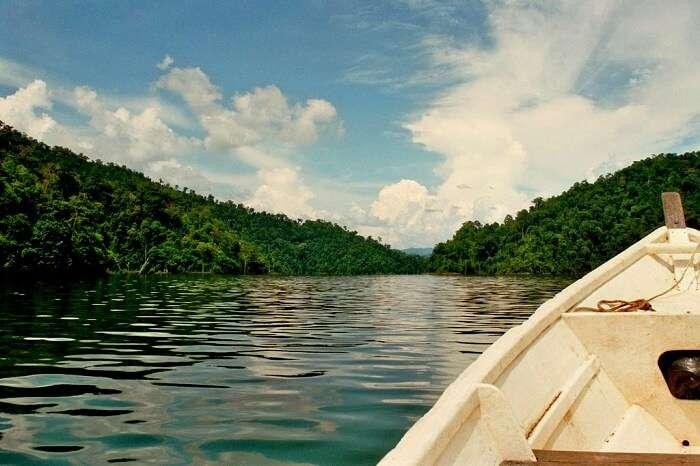 Temenggor_Lake