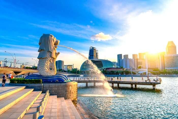 Merlion Park: Now Discover The True Colours Of This City