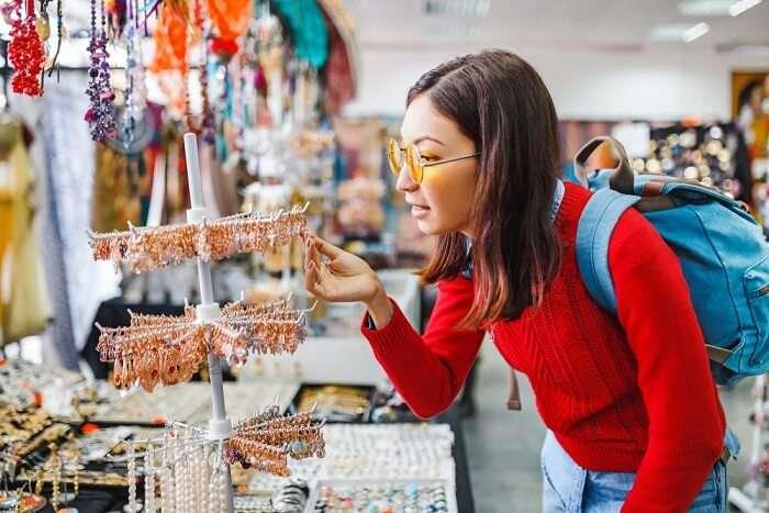 Hikkaduwa Shopping