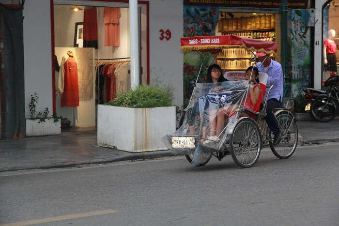 enjoy the Hanoi cuisine