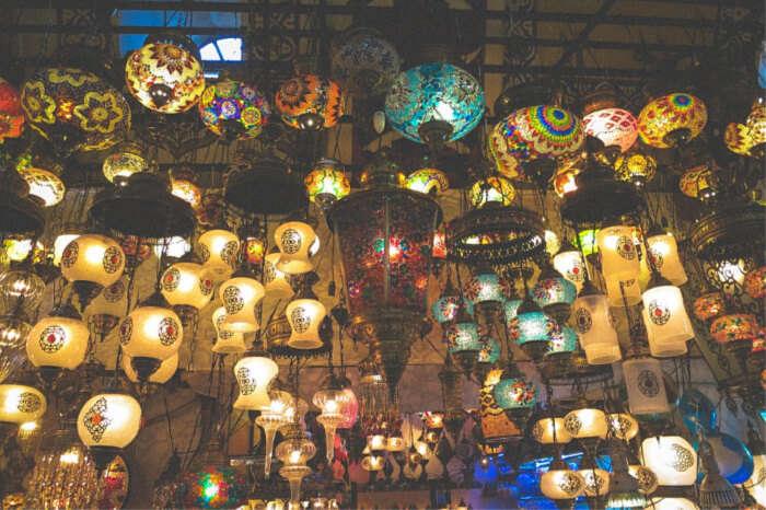 Wat Rong Khun Night Bazaar