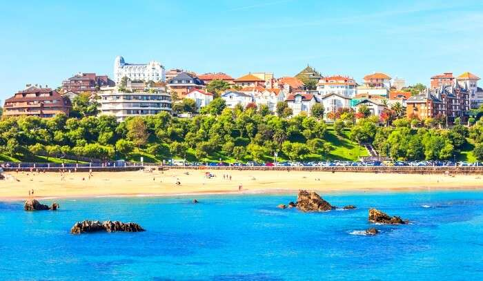 9 Best Beaches Near Madrid For A Charming Exotic Holiday!