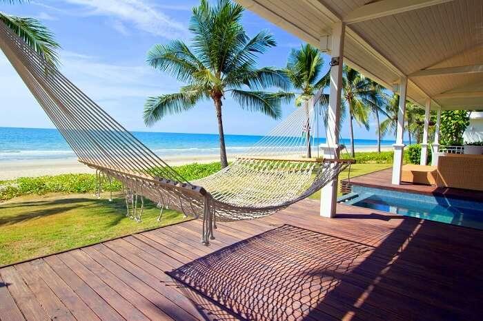 maldives hostels